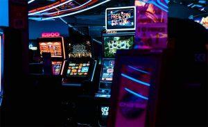 sivun kuva 3 parasta ilmaista verkossa olevaa kasinopeliä joita sinun ei tarvitse ladata Ilmaiset kolikkopelit 300x183 - sivun-kuva---3-parasta-ilmaista-verkossa-olevaa-kasinopeliä,-joita-sinun-ei-tarvitse-ladata---Ilmaiset-kolikkopelit